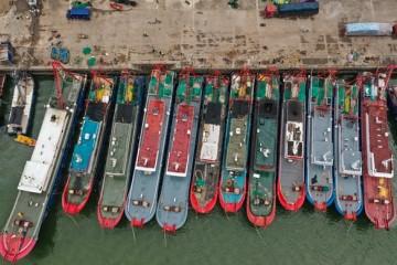 严打非法捕捞我国首次派遣远洋渔业公海转载观察员