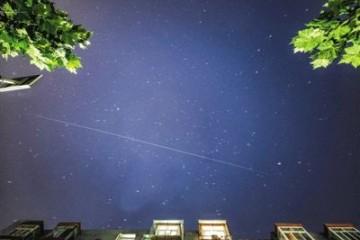 中国空间站在头顶掠过如何用镜头永远留下它的倩影
